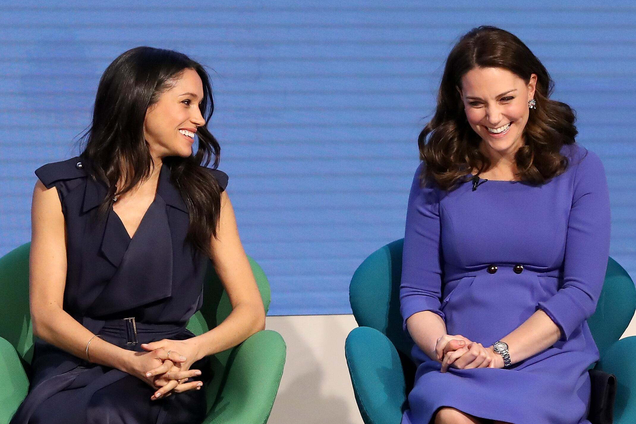 Bild zu Meghan Markle, Herzogin Kate, Prinz Harry, Verlobte, Prinz William, Royals
