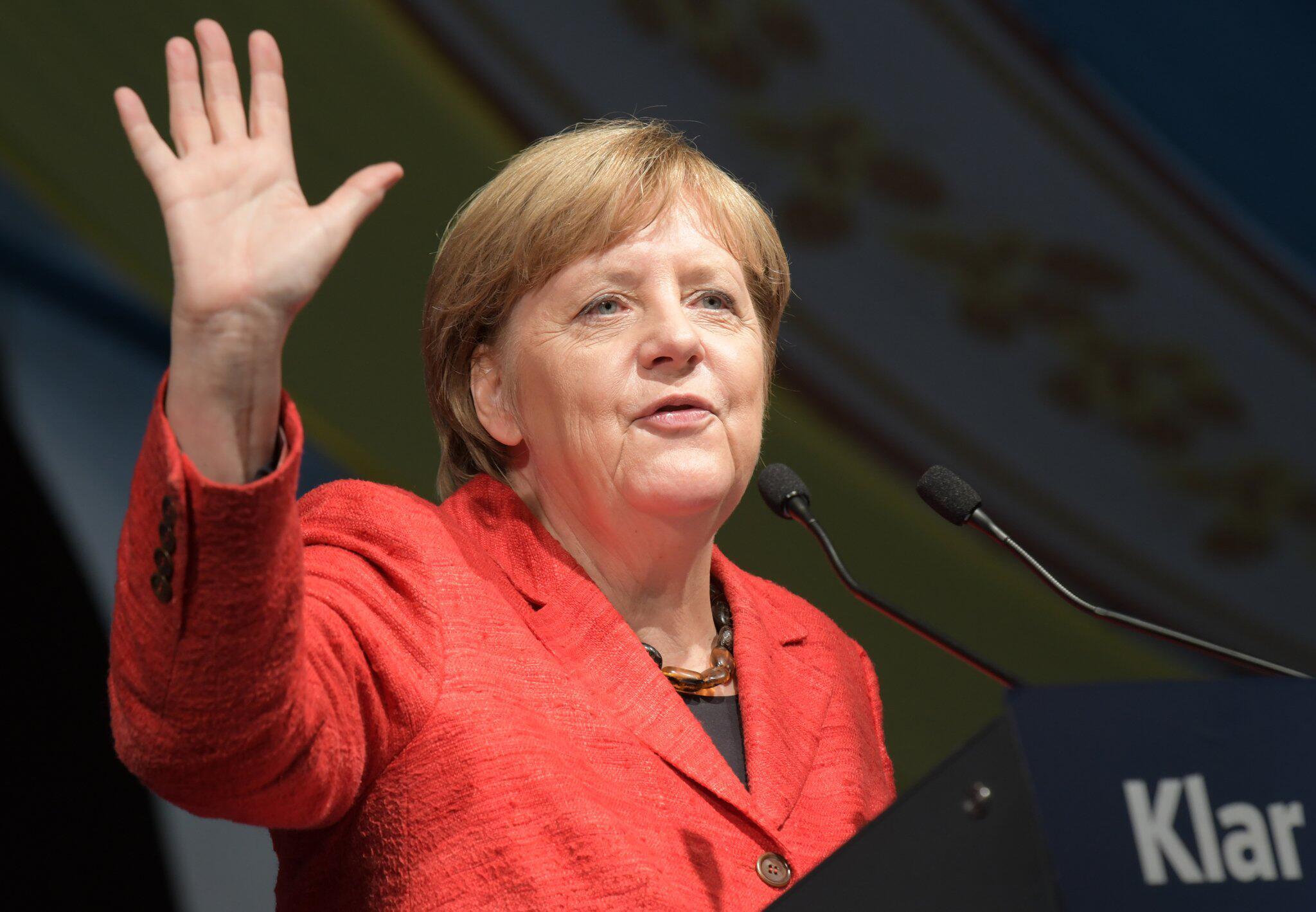 Bild zu Wahlkampfveranstaltung der CSU mit Angela Merkel
