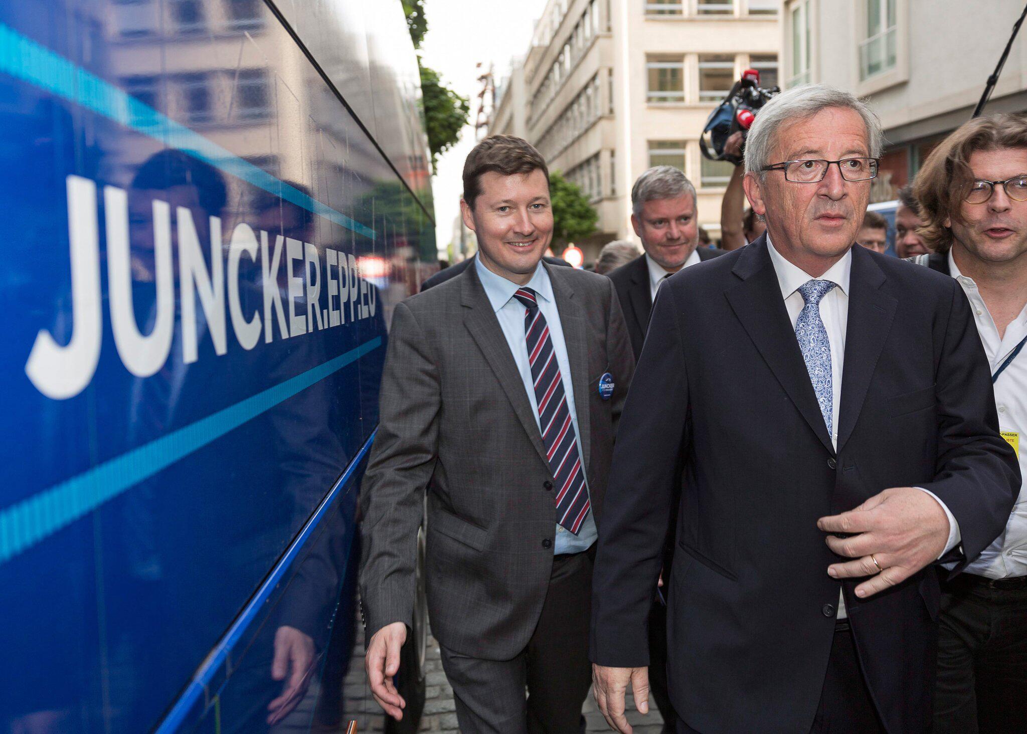 Bild zu Juncker und Selmayr