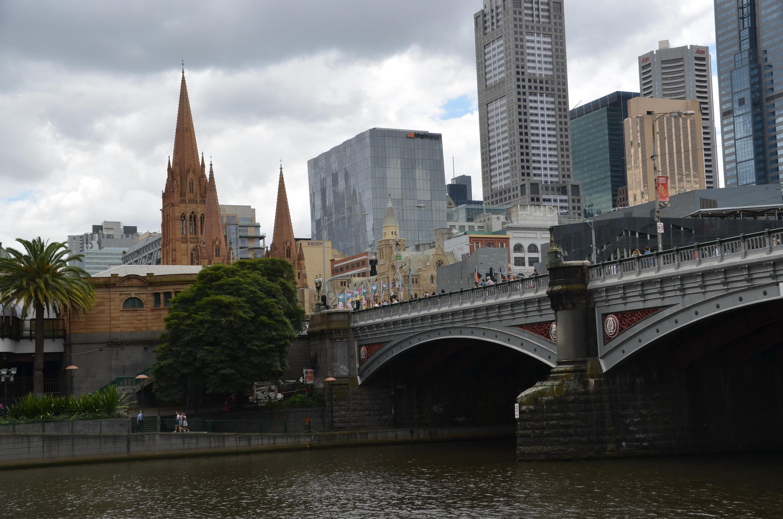 Bild zu Brücke, Stadt
