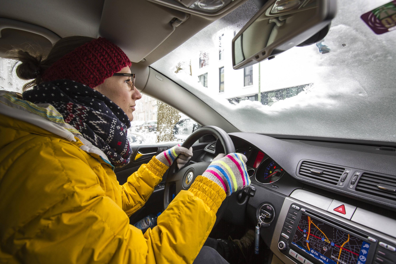 Bild zu Autofahrerin