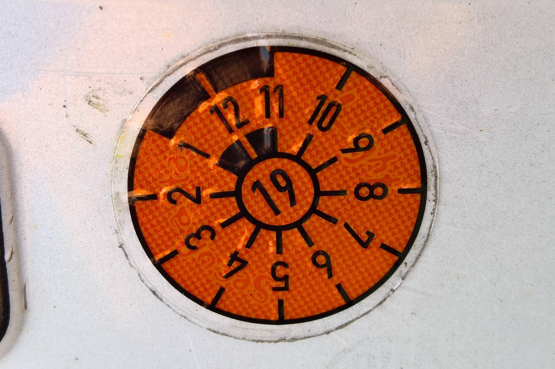 Bild zu TÜV-Plakette