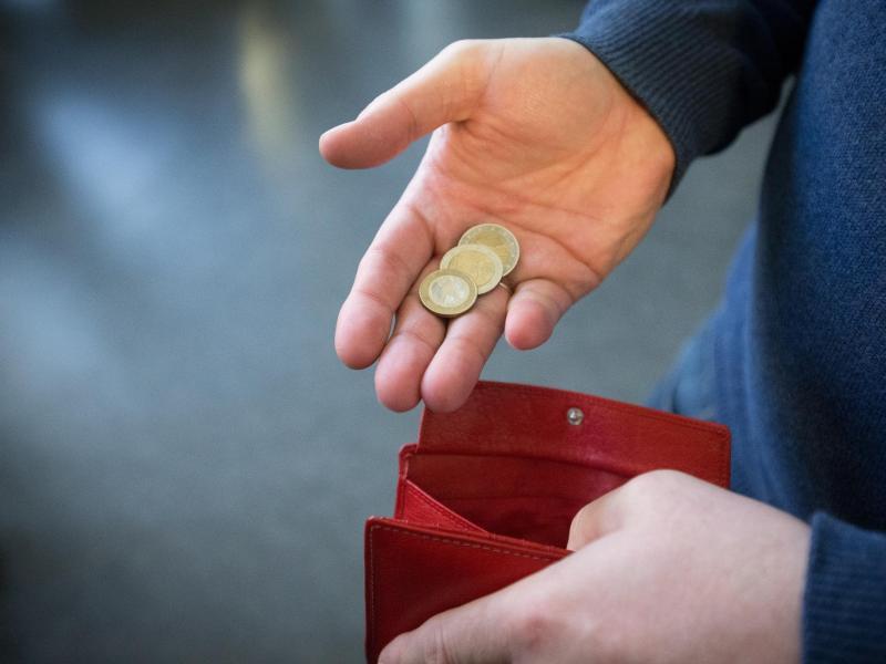 Bild zu Geld im Portemonnaie
