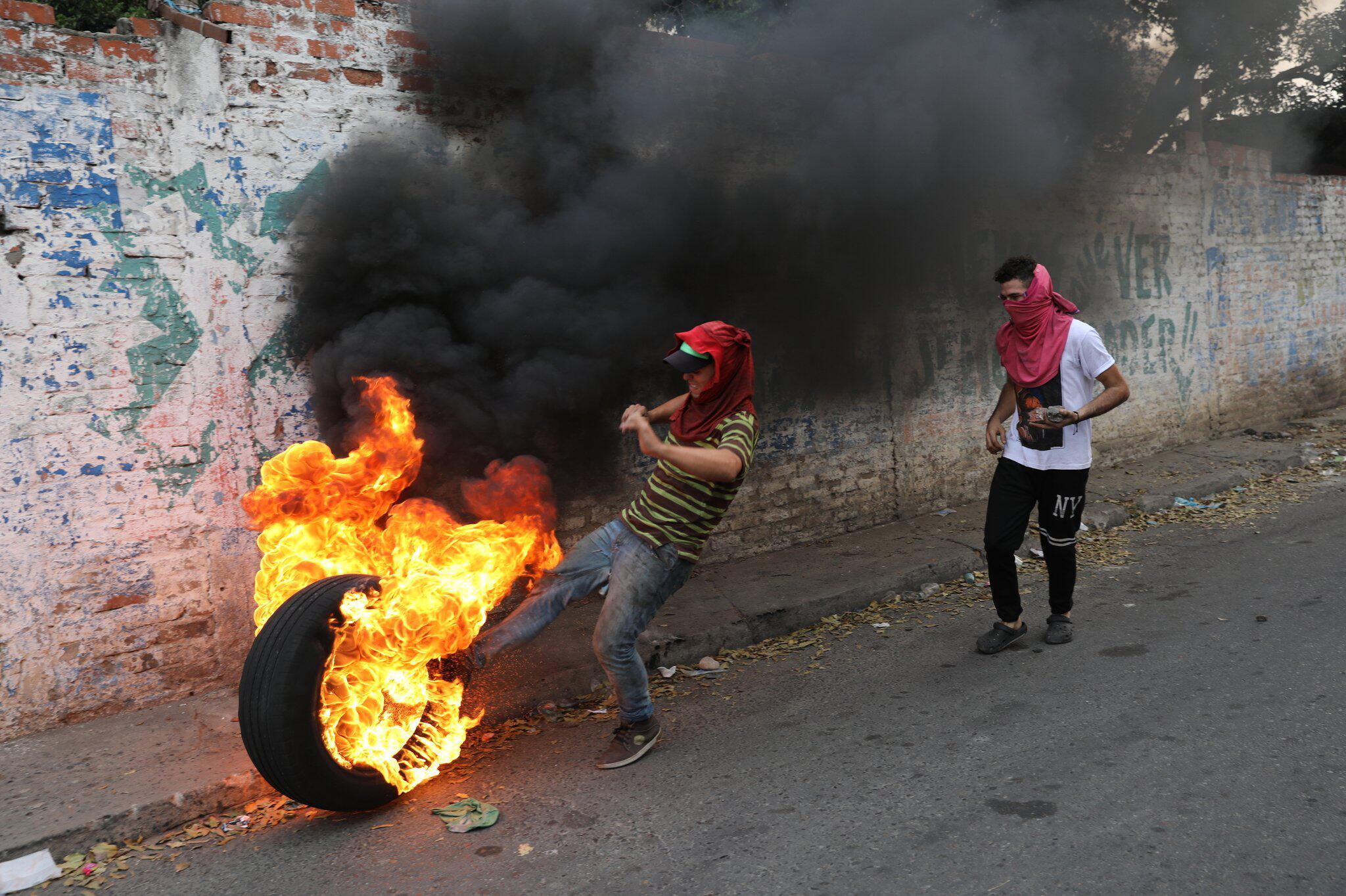 Hunderte Verletzte bei Zusammenstößen in Venezuela
