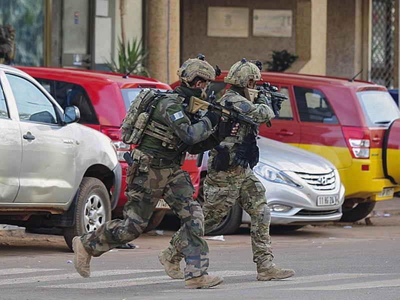 Bild zu Erstürmung des Hotels