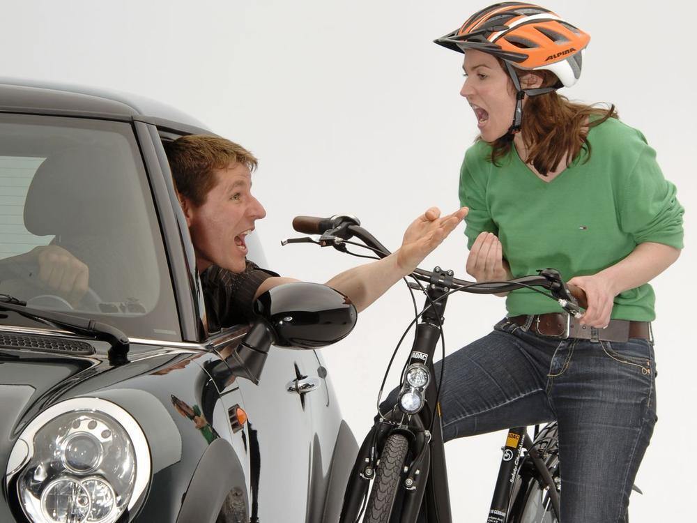 Bild zu Beleidigungen im Straßenverkehr können teuer werden