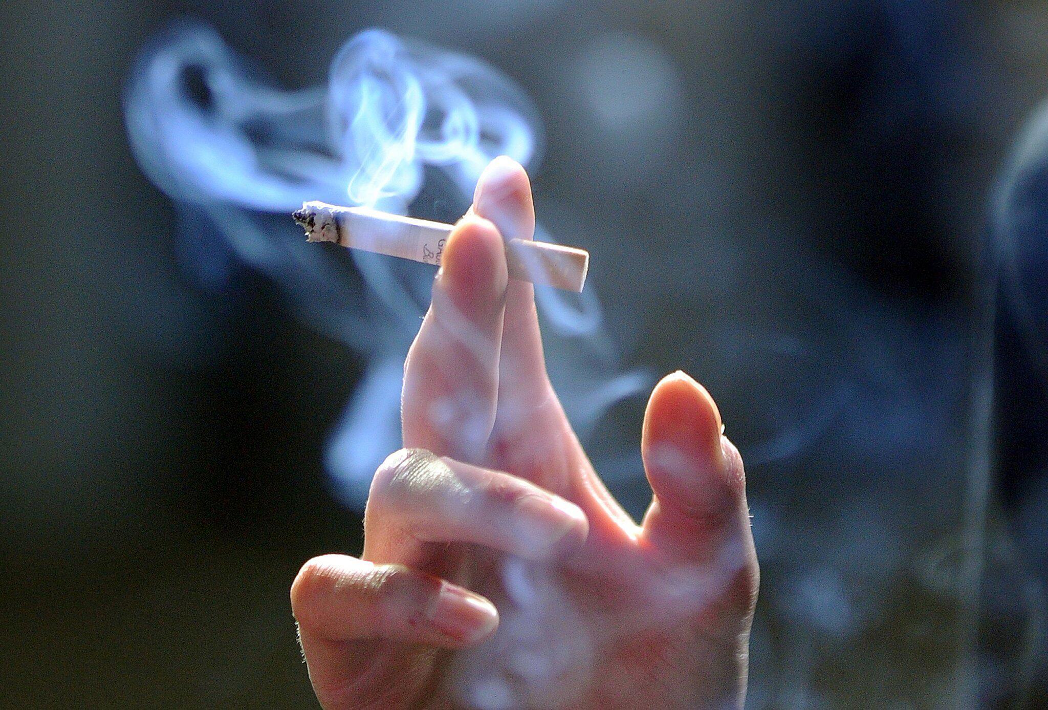 Bild zu Zigarette Zigarettenabsatz fällt