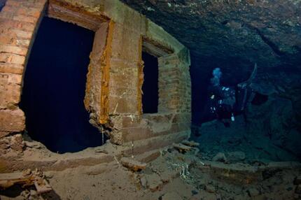 Ruine in der Blauen Lagune