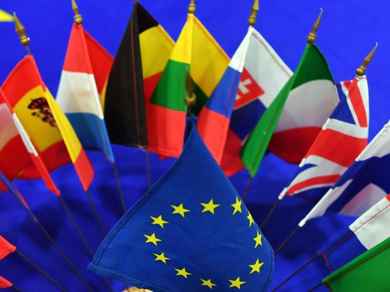 Bild zu Flaggen der EU