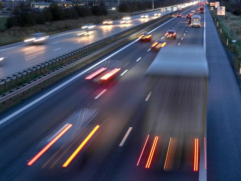 Bild zu Autobahn-Verkehr