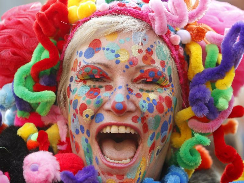 Bild zu Karnevalsschminke