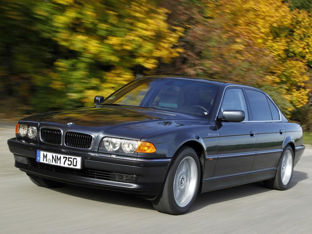 Bild zu Platz 3: BMW 730i/750i (E38)