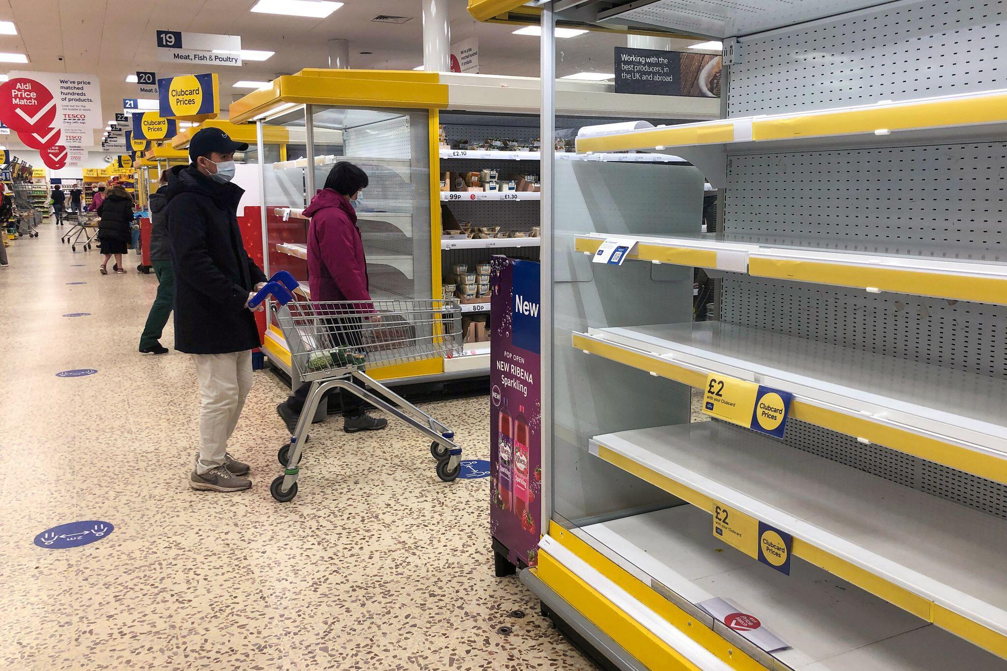 Bild zu Coronavirus - leere Supermärkte in Großbritannien