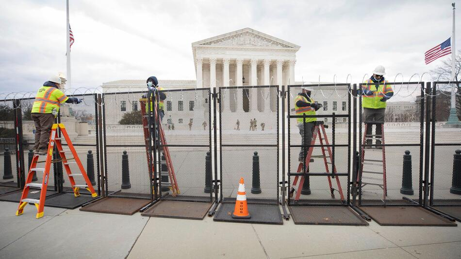 Pro-Trump-Demonstration am Kapitol - Zaun wird wieder aufgebaut