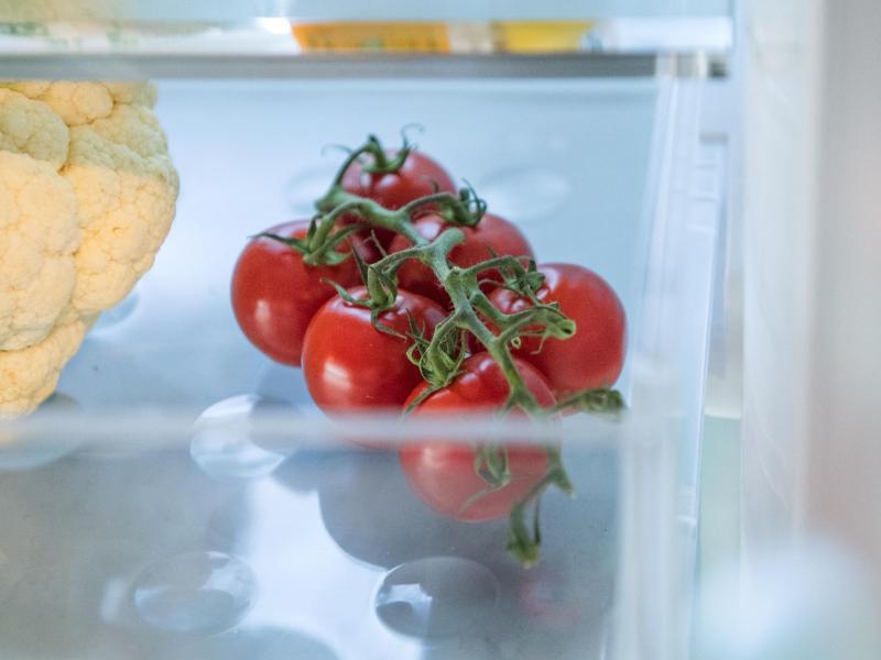 Bild zu Tomaten liegen im Kühlschrank