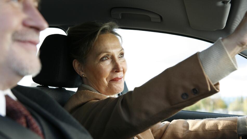 Autofahren im Alter: Eine Gefahr für andere Verkehrsteilnehmer?