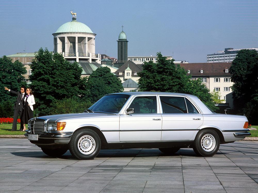 Bild zu Mercedes-Benz 450 SEL