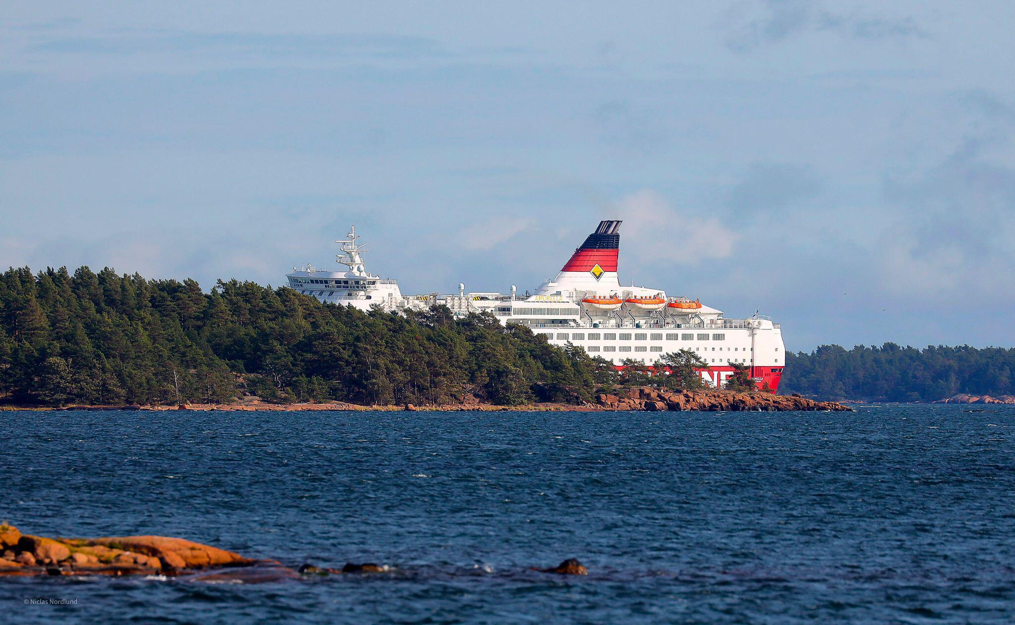 Finnland-Fähre in Ostsee auf Grund gelaufen