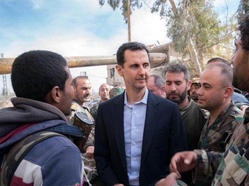 Bild zu Assad besucht Truppen