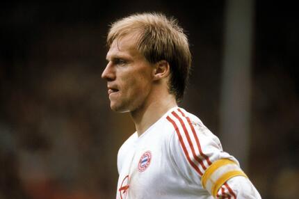 Hansi Pflügler, FC Bayern München, Bundesliga, Kapitän, 1989/90