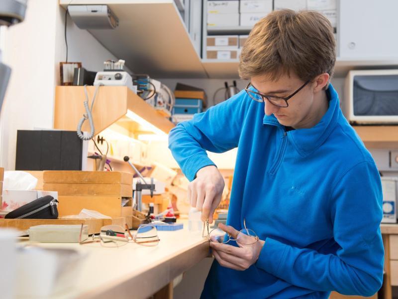 Bild zu Bei Optikern entscheiden Millimeter