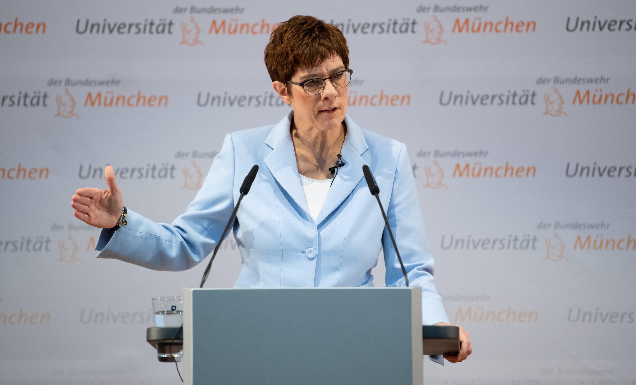 Verteidigung - Kramp-Karrenbauer schlägt Nationalen Sicherheitsrat vor