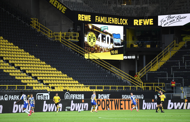 Bild zu Ab Samstag sollen wieder Fans im Stadion sein.
