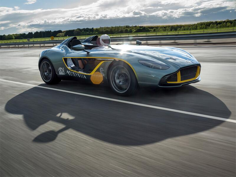 Bild zu Aston Martin CC100 Speedster Concept