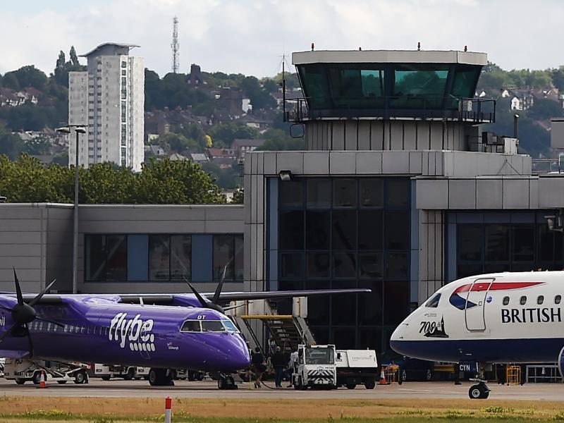 Bild zu Mit der britischen Firma Flybe nach Italien