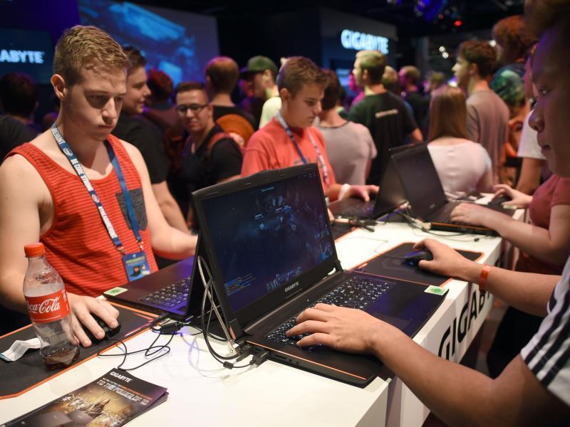 Bild zu Spielenotbooks auf der Gamescom