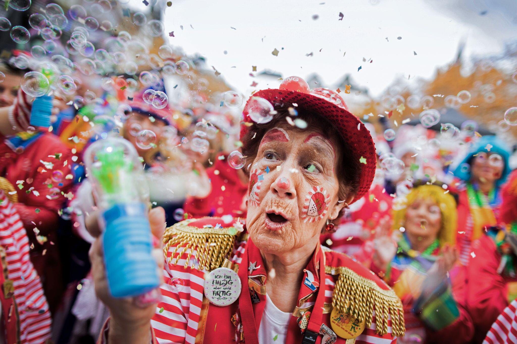 Bild zu Spahn kann sich Karneval im kommenden Winter nicht vorstellen