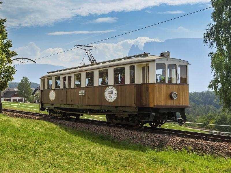 Bild zu Historische Bahn in Südtirol