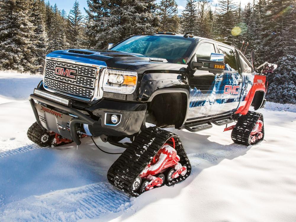 Bild zu Irres Schneemobil mit Kettenantrieb: GMC Sierra 2500HD All Mountain Concept