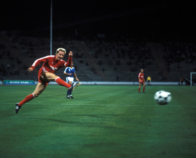 Bild zu Karl-Heinz Rummenigge, FC Bayern München, Anorthosis Ammochostos, UEFA Cup, 1984/84