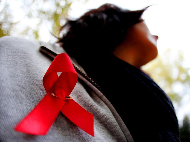 Bild zu Rote HIV-Schleife