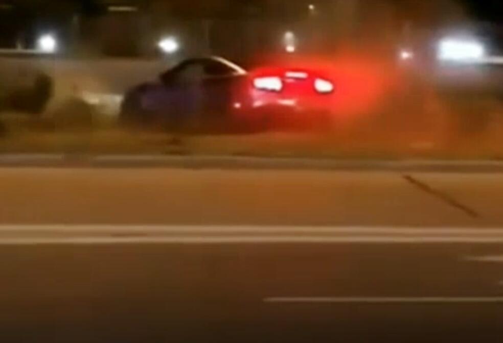 Bild zu Mustang, Auto, Unfall