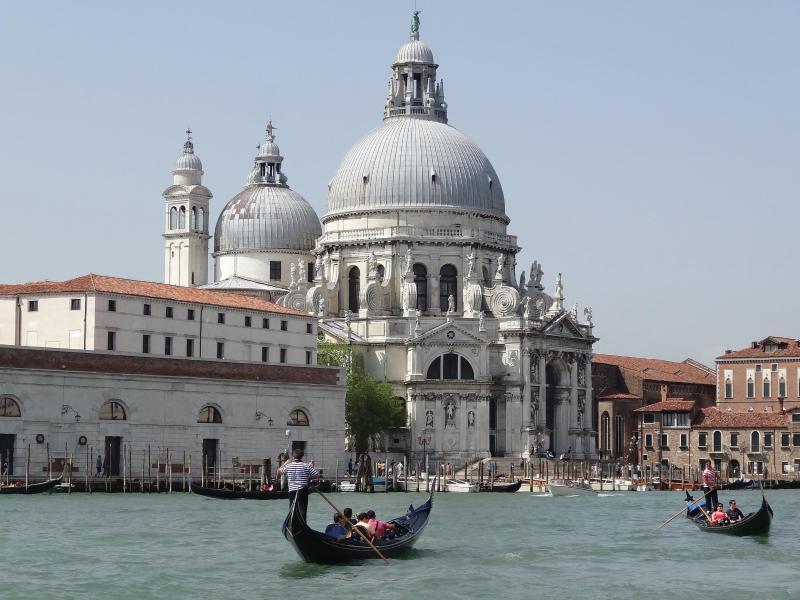 Bild zu Venedig lockt viele Touristen an