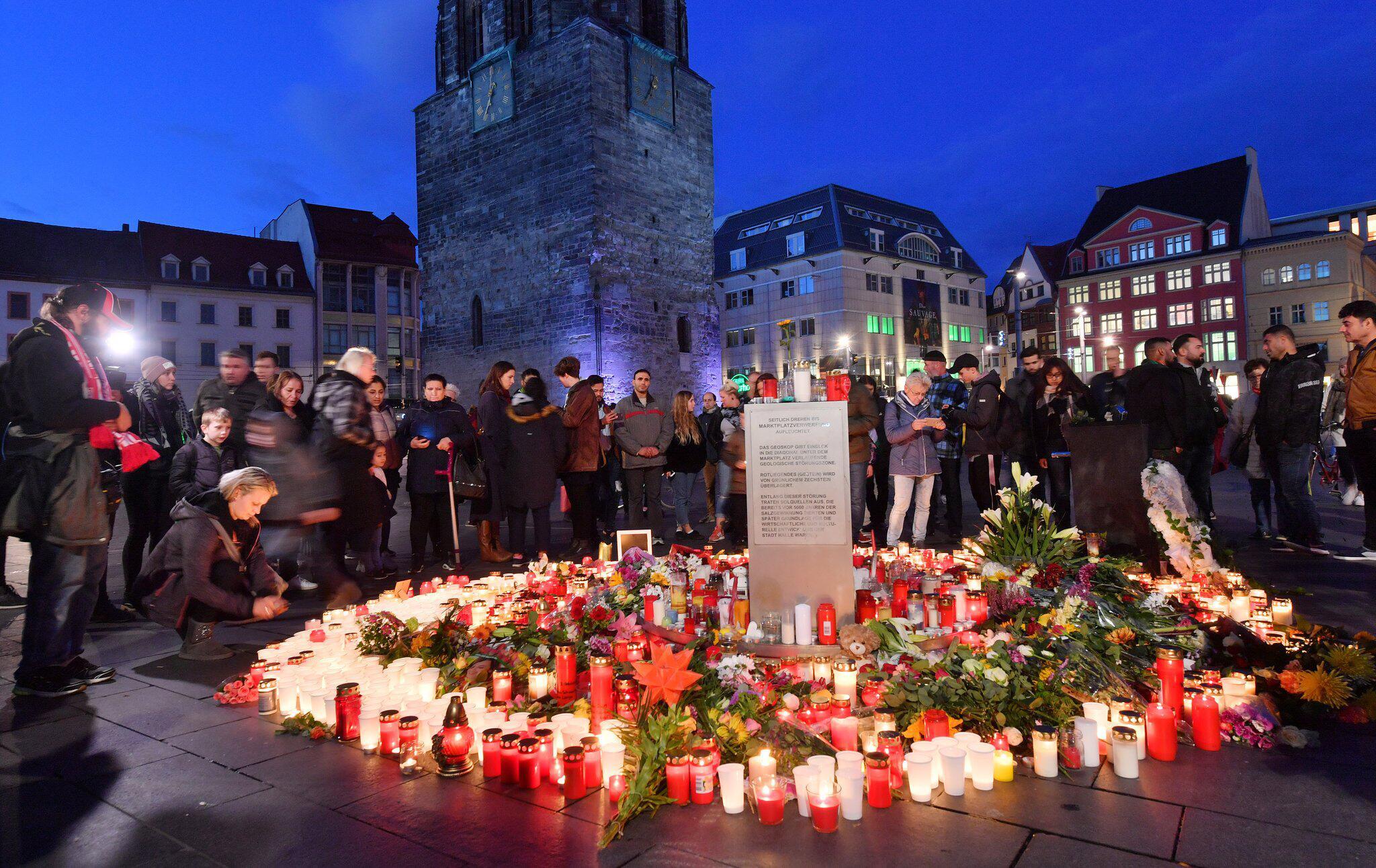 Bild zu Nach Angriff in Halle/Saale - Trauer