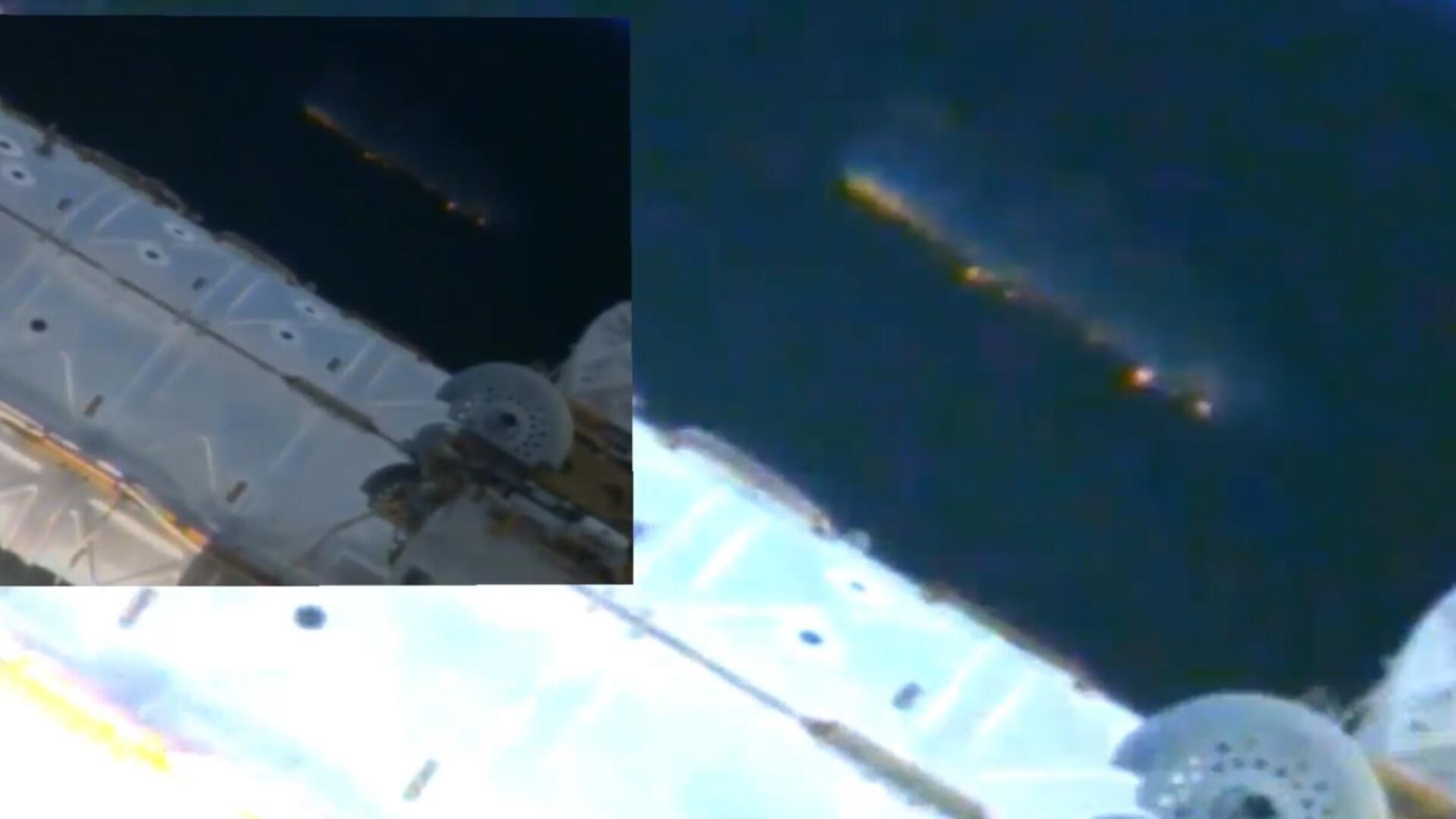Bild zu US-Ufologen wollen riesiges Alien-Schiff neben ISS entdeckt haben