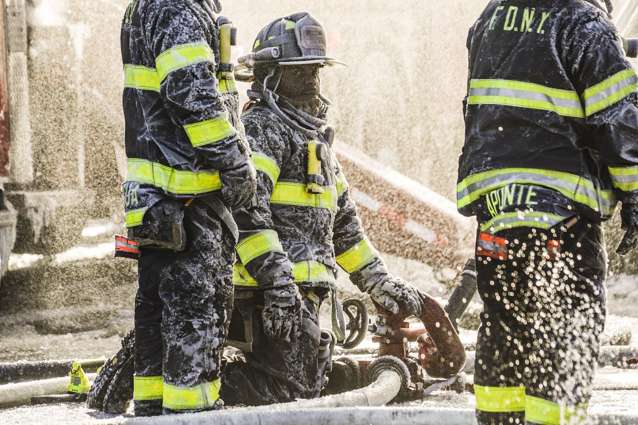 Bild zu Gebäudebrand in der Bronx