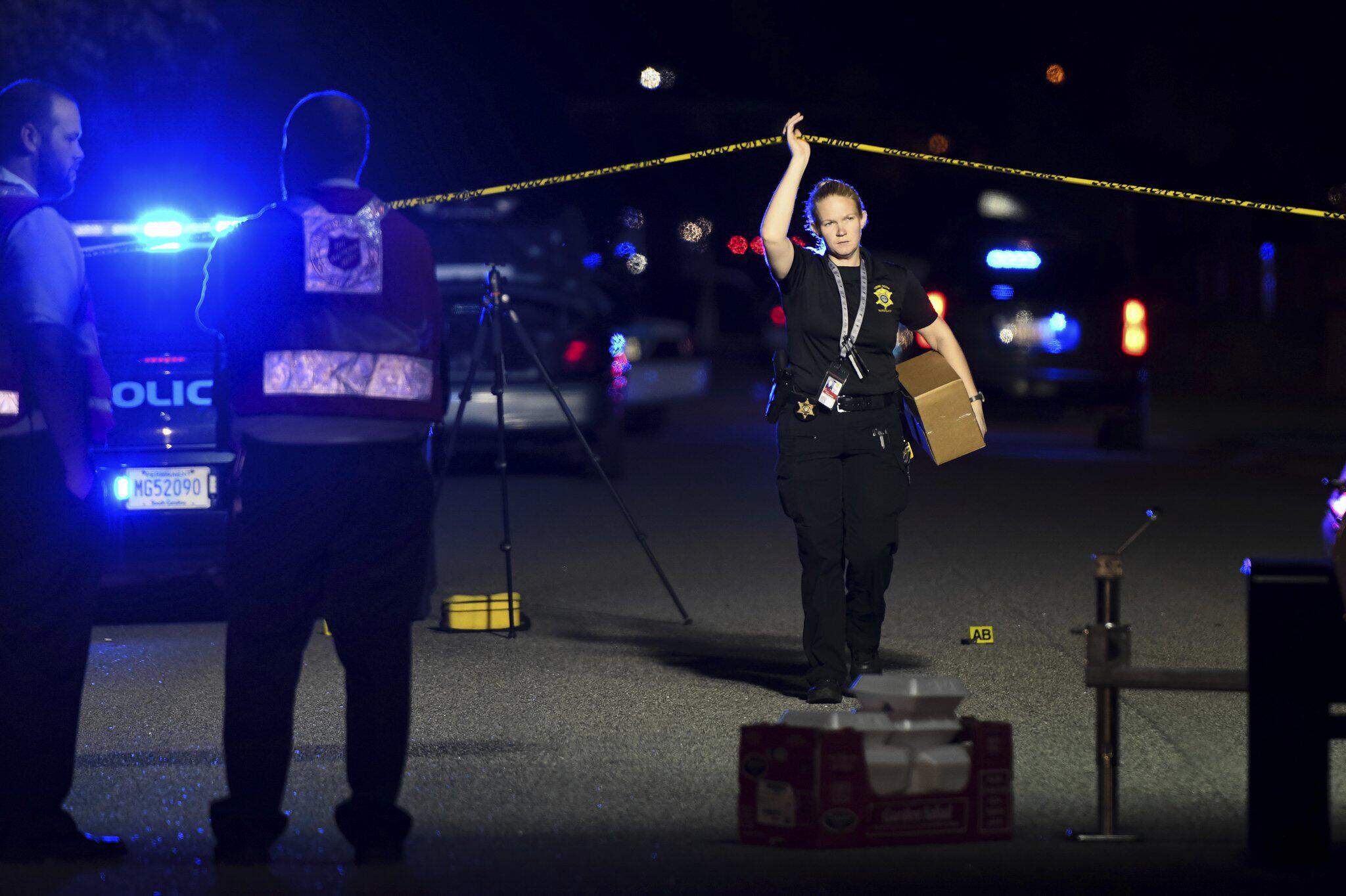 Bild zu Mann schießt in South Carolina auf Polizisten