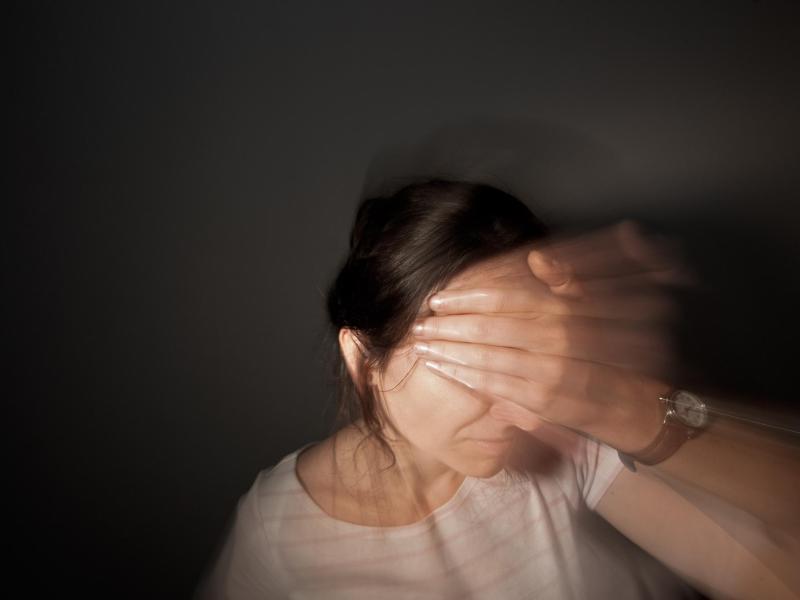 Bild zu Migräne-Attacke