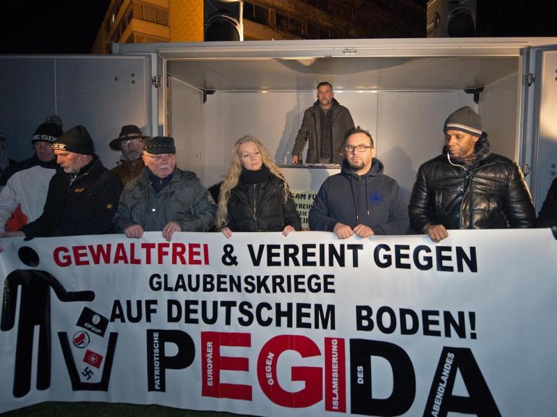 Bild zu «Pegida»-Kundgebung