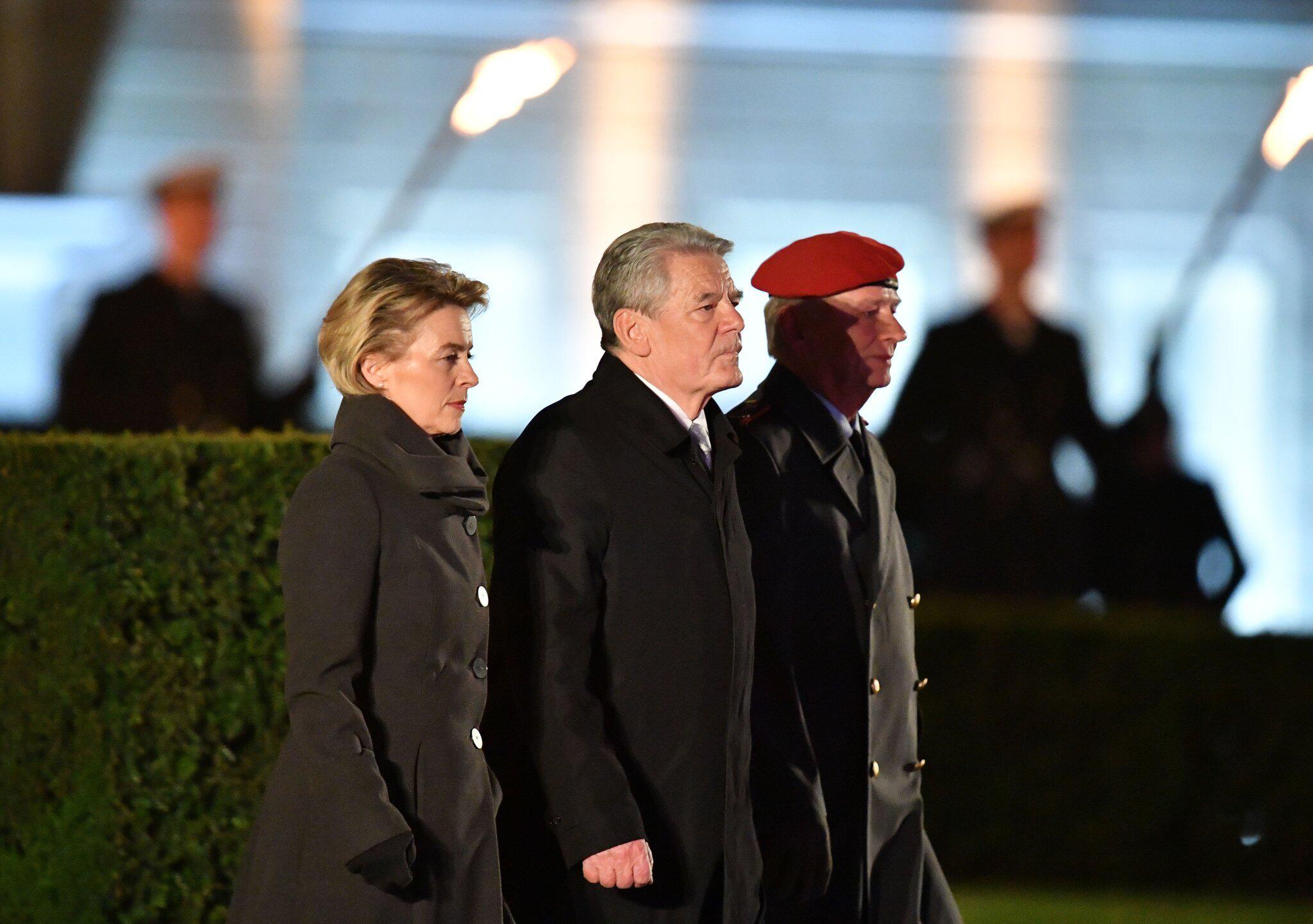Bild zu Verabschiedung von Bundespräsident Joachim Gauck