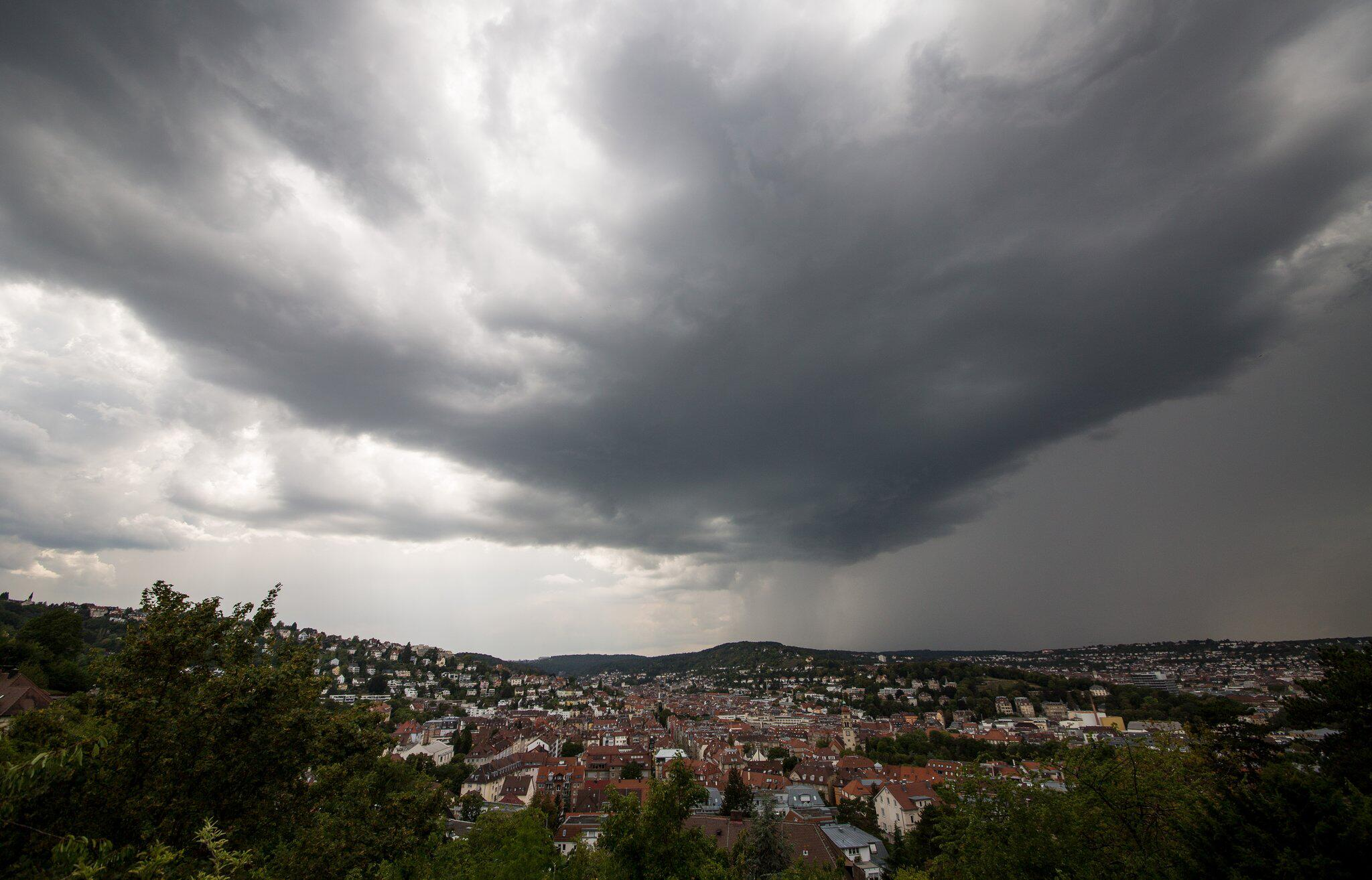 Bild zu Gewitterfront über Stuttgart