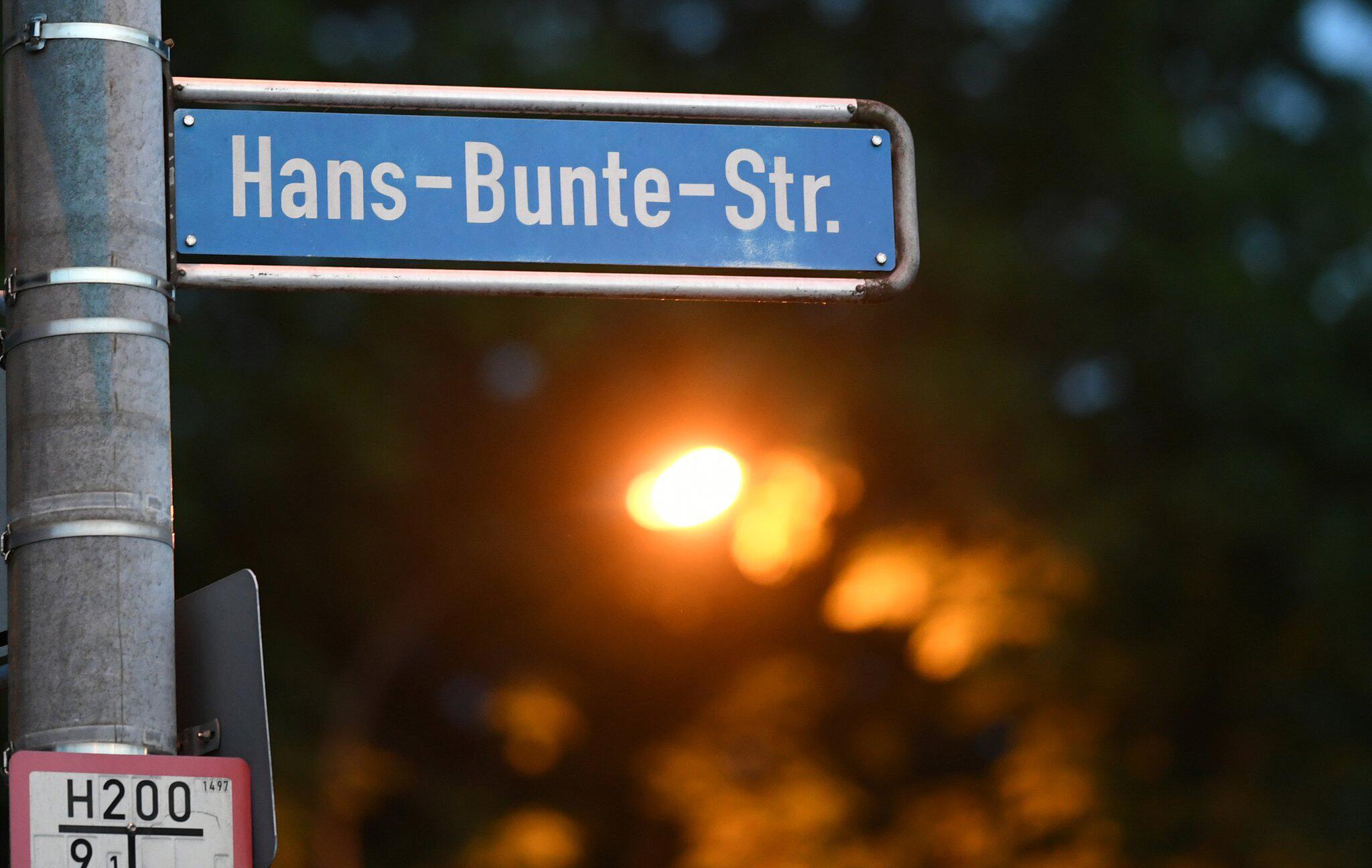 Staatsanwalt schildert Details: Freiburger Gruppenvergewaltigung: elf Angeklagte vor Gericht