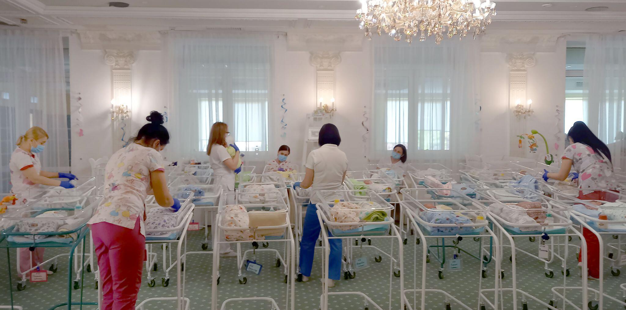 Bild zu Leihmütter-Babys in der Ukraine