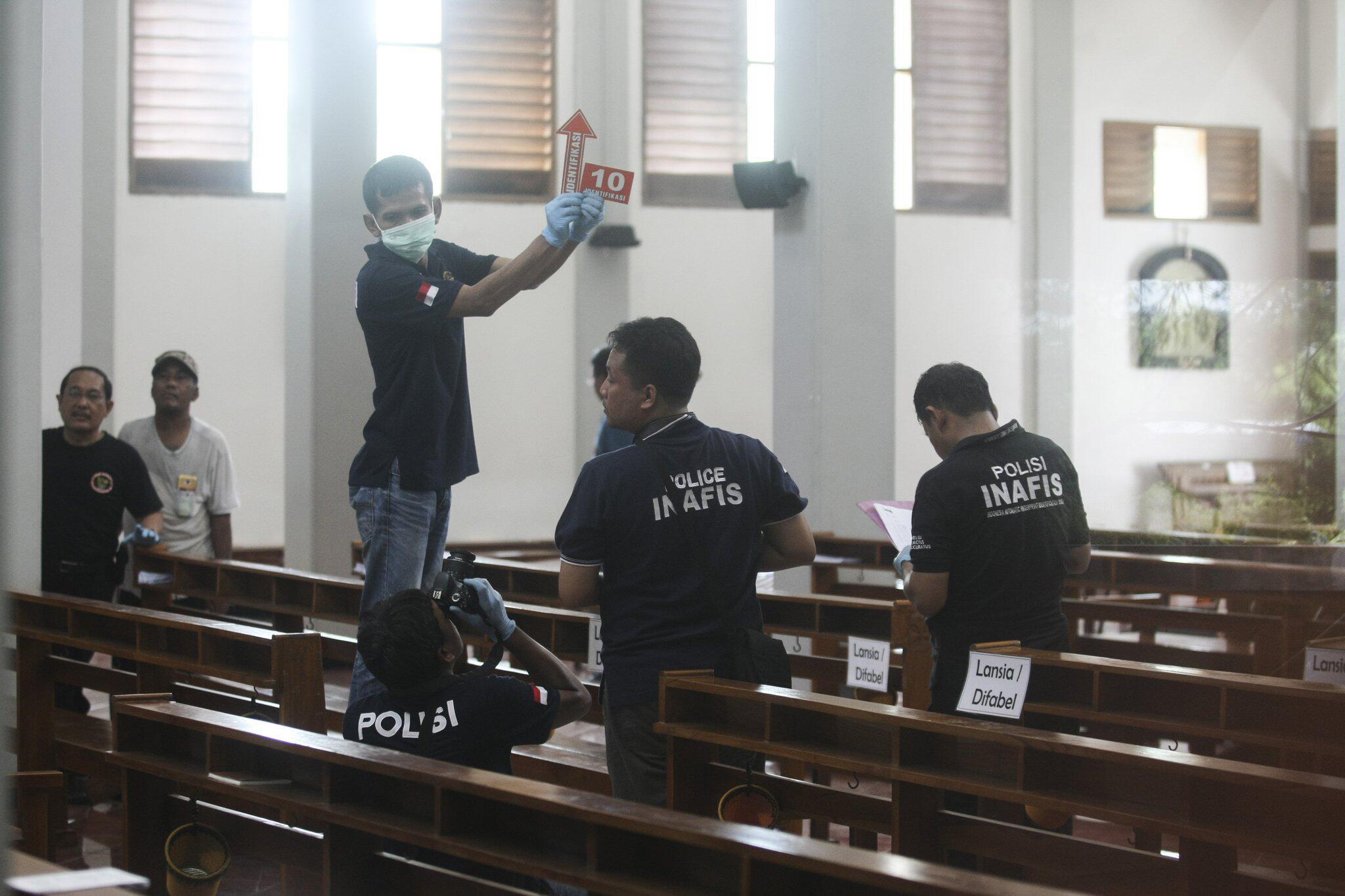 Bild zu Nach Schwertangriff in indonesischer Kirche