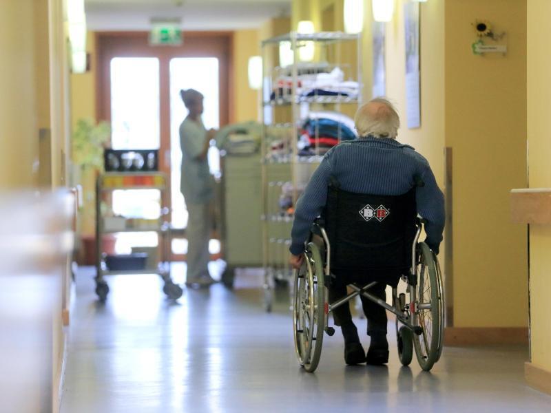Bild zu Rentner im Seniorenzentrum