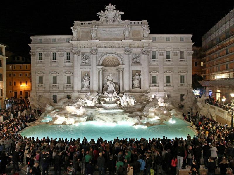 Bild zu Trevi-Brunnen in Rom
